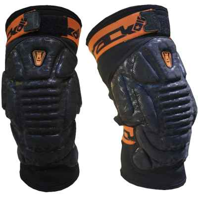 PBRack Armadillo 2.0 Paintball Kneepads / Knee Pads (black / orange) | Paintball Sports